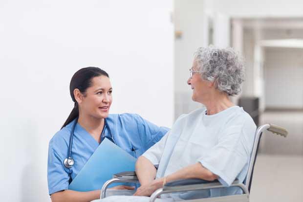 Tarjetas con códigos de barras agilizan visitas en hospital San Juan de Dios
