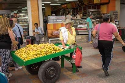Peso se fortalece mientras Colombia sale de la inflación