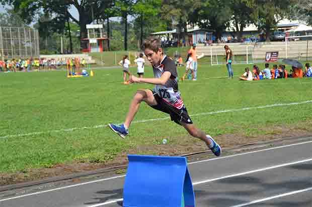 """Niños se preparan para competir en """"Kids Athletic"""""""