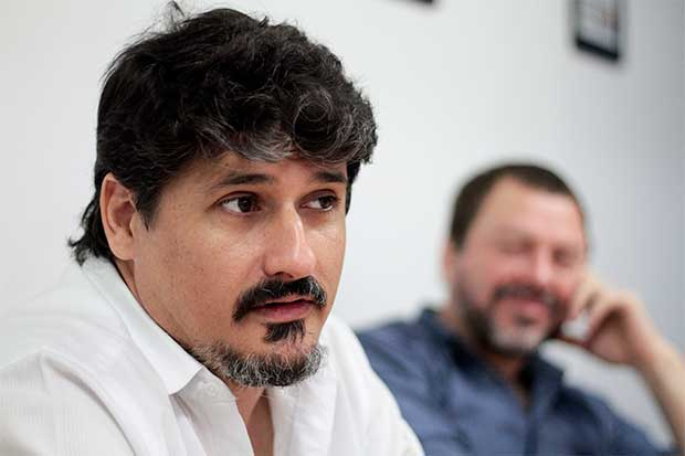 Escritores José Luis Sanz y Diego Fonseca hoy en la Feria del Libro