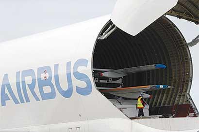 Boeing alargaría avión para competir con el A321neo de Airbus