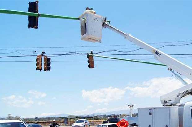 Usuarios pueden reportar fallas en semáforos