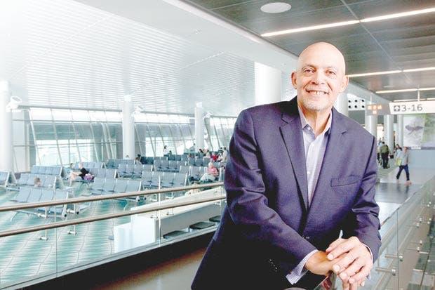 """Director de Aeris: """"Tercerizar tiendas es la mejor vía para generar ingresos"""""""