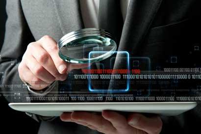 Franklin Corella solicita priorizar desarrollo de sitios web del Gobierno