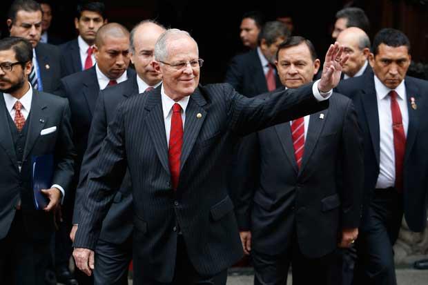 Presidente de Perú rompe con tradición y busca inversión China