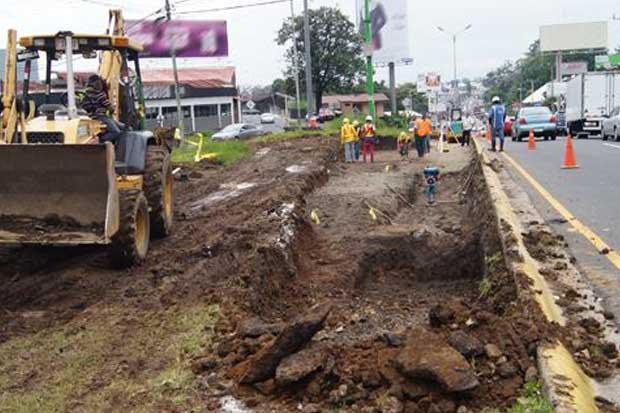 Inició construcción de nuevo carril en La Galera
