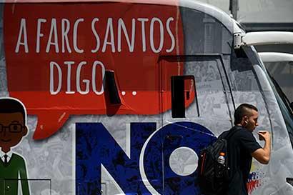 Sector petrolero teme más caos tras desarme rebelde en Colombia