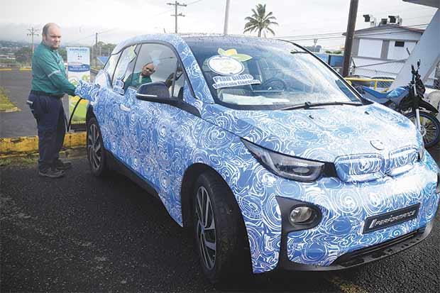 Cooperativas ya instalan electrolineras para carros verdes