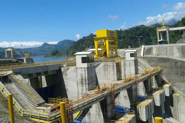 Planta hidroeléctrica más grande del istmo inicia operaciones