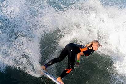 Surf tico prepara debut en Portugal