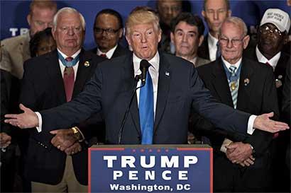 Trump reduce ventaja de Clinton, pero liderar será difícil