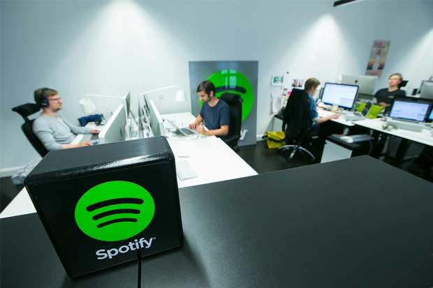 Spotify y Apple impulsan industria discográfica de Estados Unidos