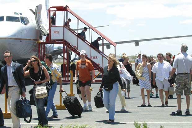 Sugieren utilizar aeropuerto de Liberia para aterrizar aviones desviados del Juan Santamaría