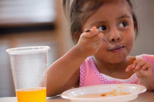 Mensaje de texto busca combatir la desnutrición