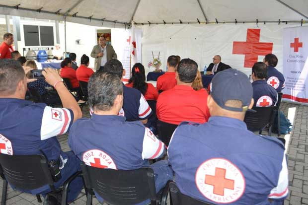 Estados Unidos dona al país tiendas de campaña para atender emergencias