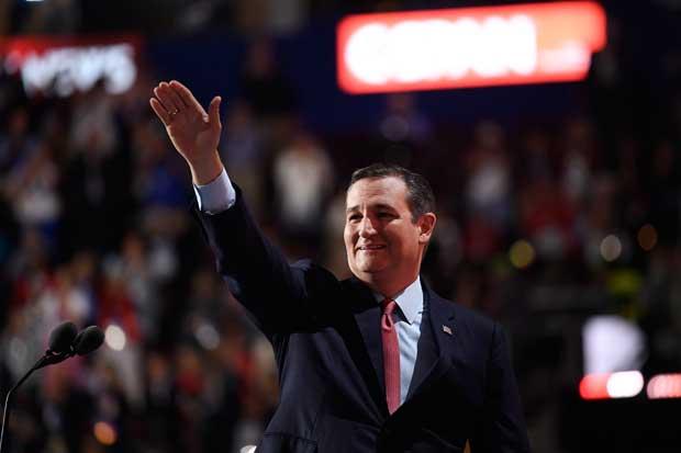Senador Ted Cruz respalda la candidatura de Donald Trump