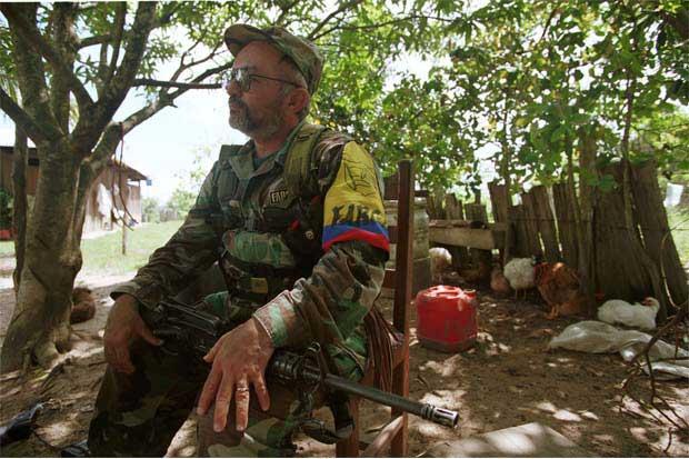 Colombia inició hoy el desarme del ejército irregular más grande de América