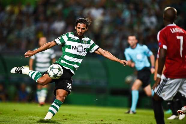 Bryan Ruiz hace su debut goleador en Champions League