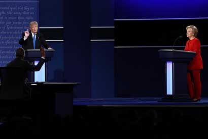 El debate puede ayudar a Clinton a recuperar votantes jóvenes