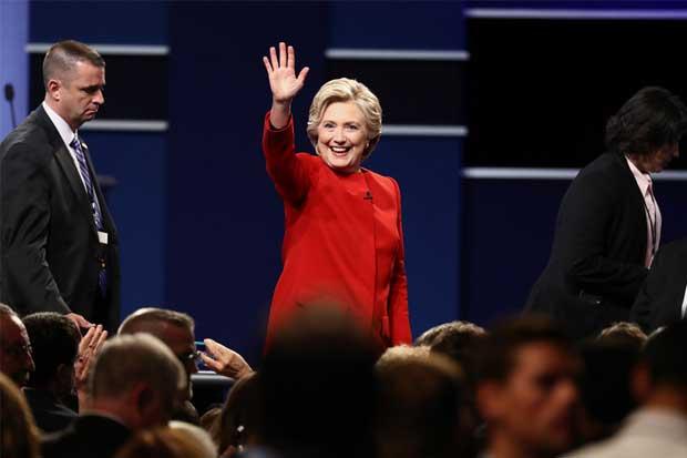 Clinton con el reto de atraer votantes jóvenes