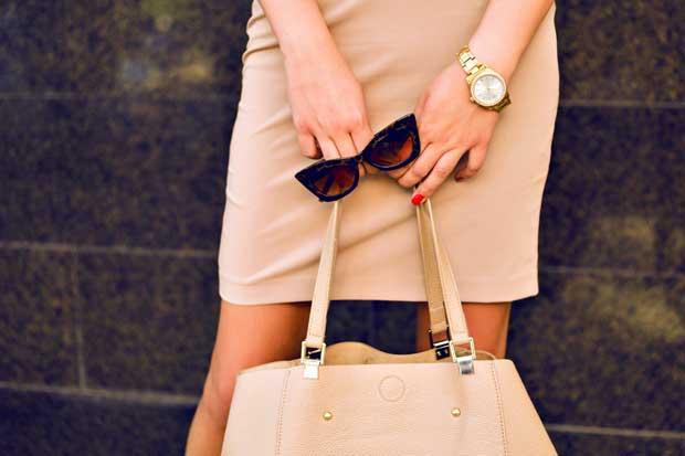 Una crisis de identidad está matando la ropa de trabajo femenina