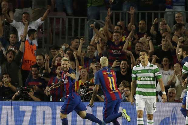 Cristian Gamboa iniciará en la banca ante el Manchester City