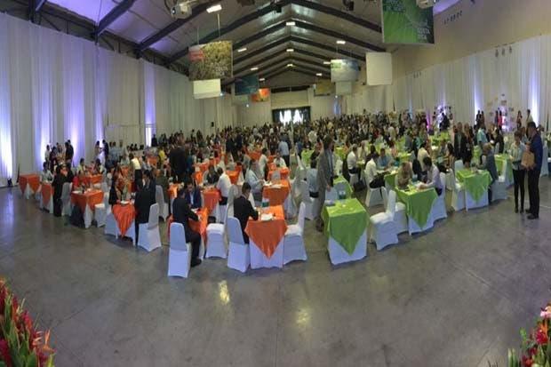 660 costarricenses participan de la feria de negocios más grande de la región