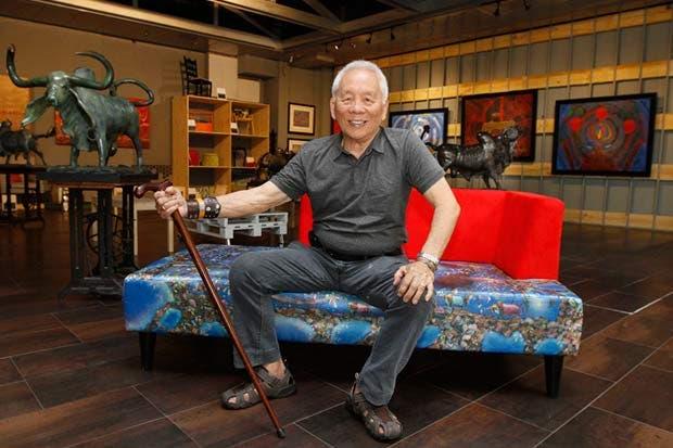 Isidro Con Wong celebra cumpleaños con exposición