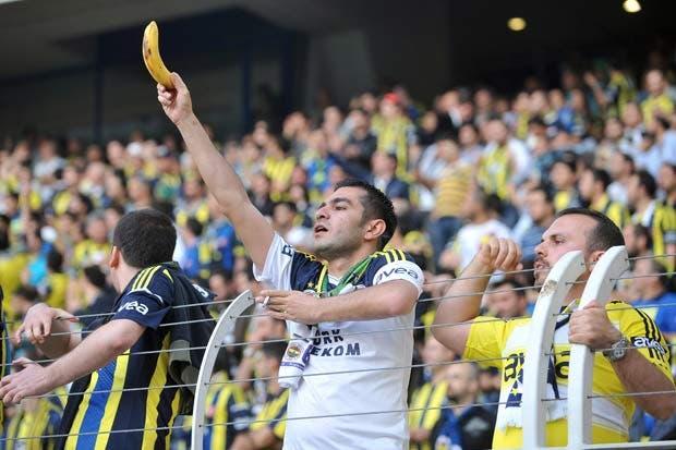 FIFA abandona batalla contra el racismo