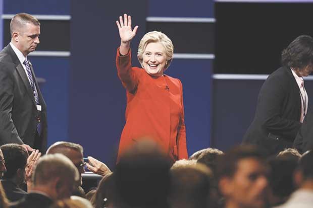Goldman Sachs prevé que peso suba un 10% si Clinton gana