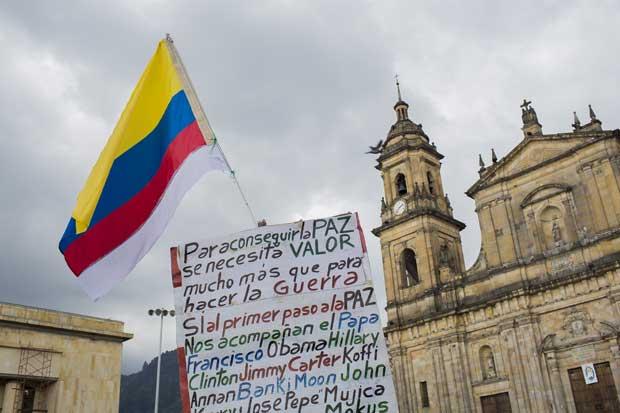 Peso colombiano cae tras rechazo de acuerdo de paz en Colombia