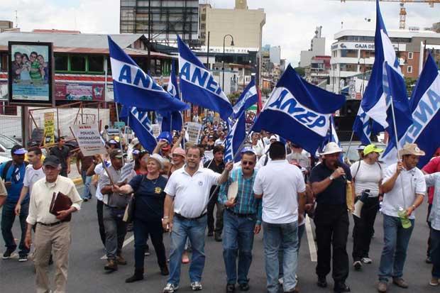 ANEP llama a los empleados municipales a huelga