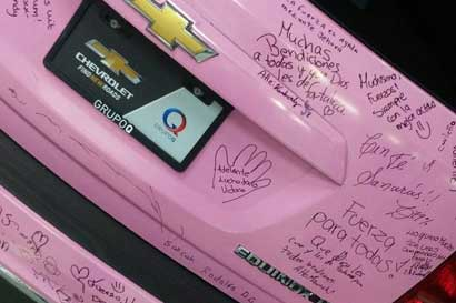 Chevrolet recolectará firmas que se traducirán en donaciones para mujeres con cáncer