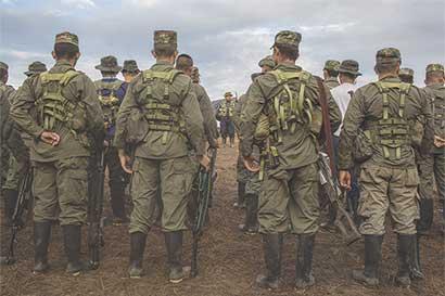 Rechazo a paz no afectará agenda económica de Colombia, según Ministro