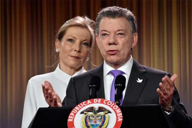 Juan Manuel Santos gana Nobel de la Paz y aumenta su apuesta para terminar guerra en Colombia