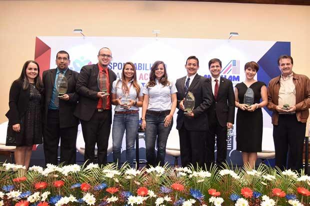 Cuatro empresas recibieron premio a sus programas de responsabilidad social