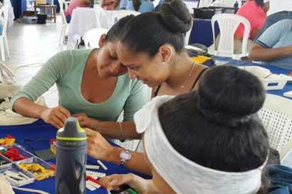 Estudiantes mujeres de Limón participaron del tercer encuentro con la tecnología