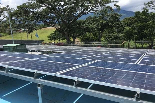 Paneles solares llevarán agua a comunidad en Alajuela