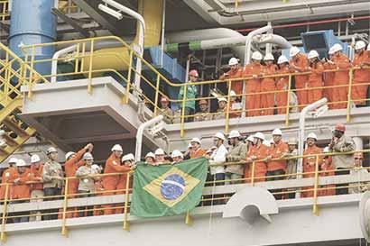 Directivo de Petrobras promete fijar precios locales rentables