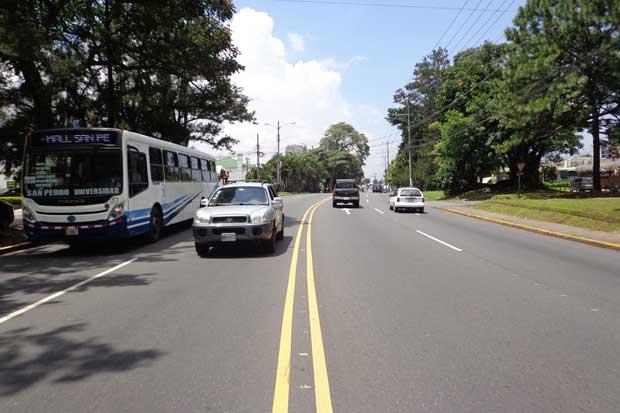 Restricción vehicular se traslada junto con feriado al lunes