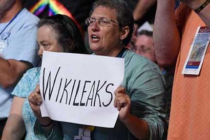Cómo Assange convirtió a WikiLeaks en el mejor amigo de Trump