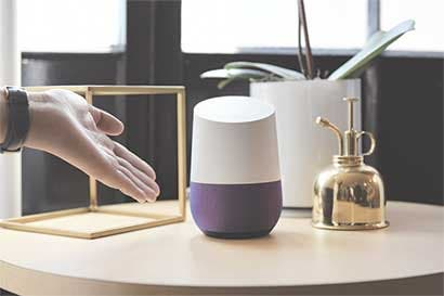 Asistente de inteligencia artificial de Google choca con Samsung