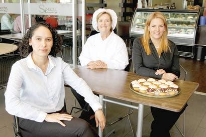 Spoon concientizará sobre prevención del cáncer de mama