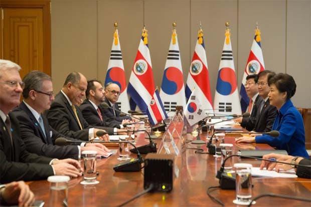 Acuerdos con Corea abrirán nuevas becas y financiamiento en tecnología