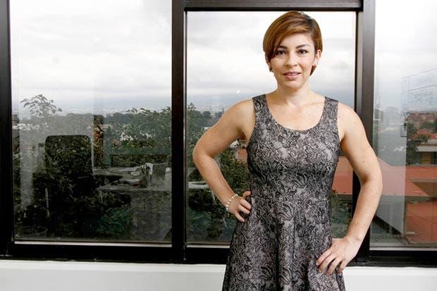 Políticas empresariales insertarían más mujeres al mercado laboral