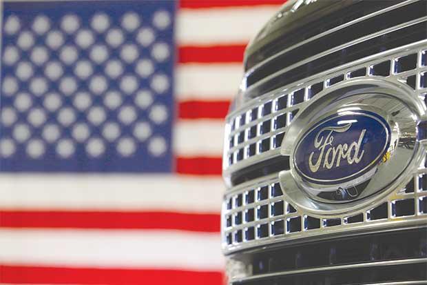 Ford suspende producción en cuatro fábricas por menores ventas