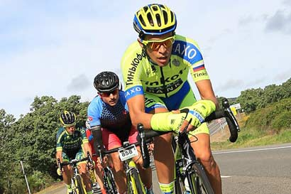 Evento elite de ciclismo en manos ticas