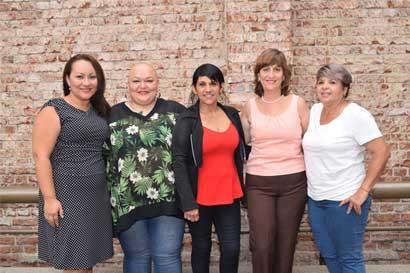 Mujeres se reunieron para compartir experiencias sobre cáncer de mama