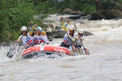 Sele tica rema al Mundial de Rafting