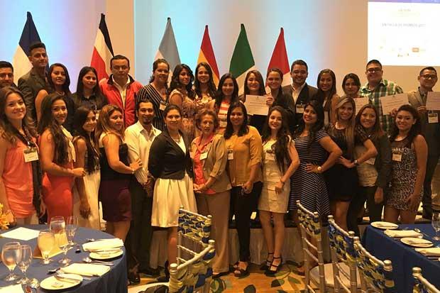 150 profesionales en turismo participaron en Congreso